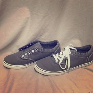 Gray vans shoes with shoelaces